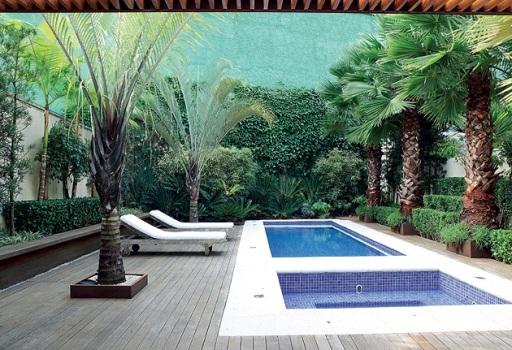 fotos jardins piscinas:Decoração para Jardim com Piscina – Fotos e Dicas de Como Decorar