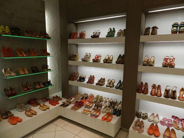 Decoraç u00e3o de Loja de Sapatos Dicas e Fotos # Decoração De Outono Para Lojas