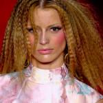 Penteado Frisado Feminino, Fotos e Como Fazer