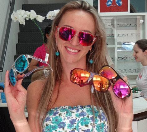 7ef8b4657 Óculos Absurda Calixto, Fotos e Onde Comprar