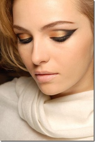 maquiagem-dourada-para-os-olhos-8