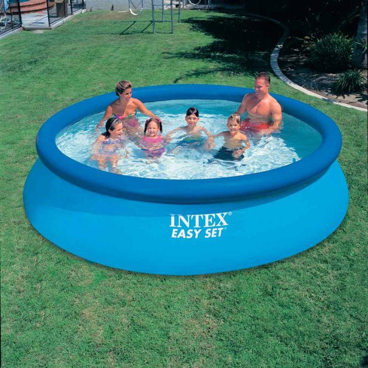 Piscinas simples para casa fotos modelos for Imagenes de piscinas para casas